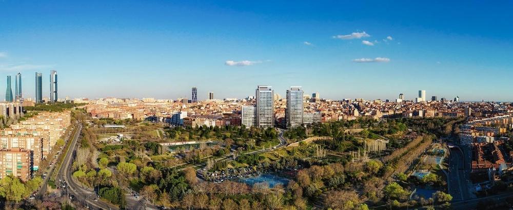 Panorámica del edificio Skyline de Madrid