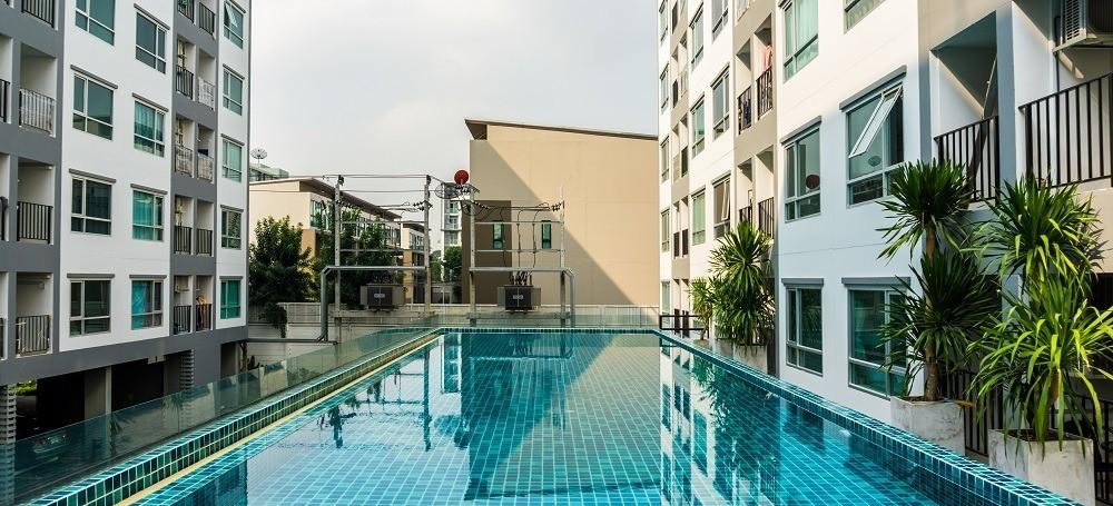 urbanización con piscina piso obra nueva
