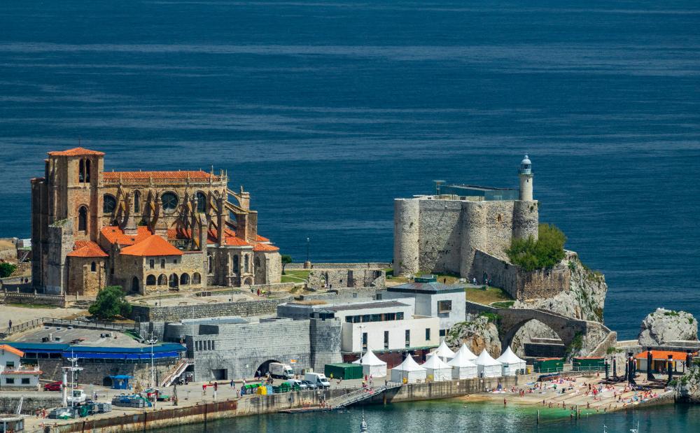 ciudades amantes mar castro urdiales