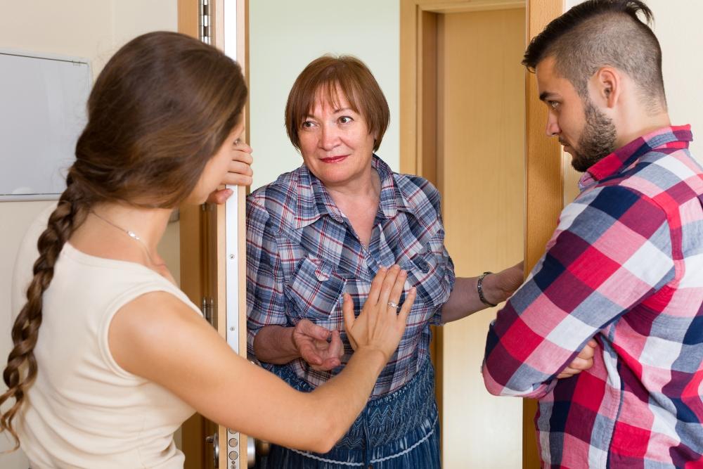 vecinos reclamando a otro