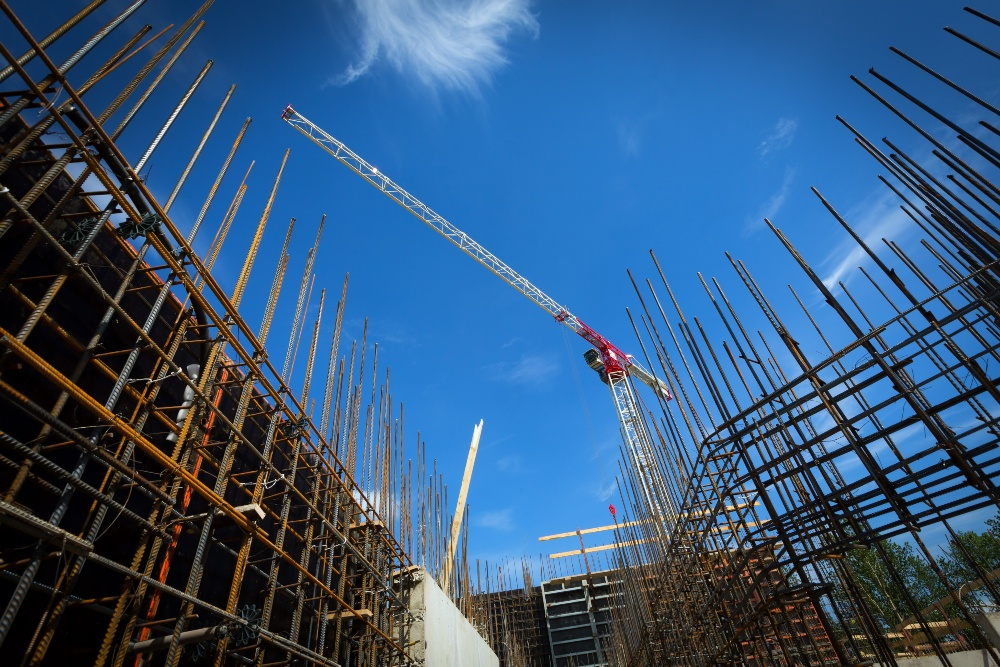 edificio de obra nueva en construcción