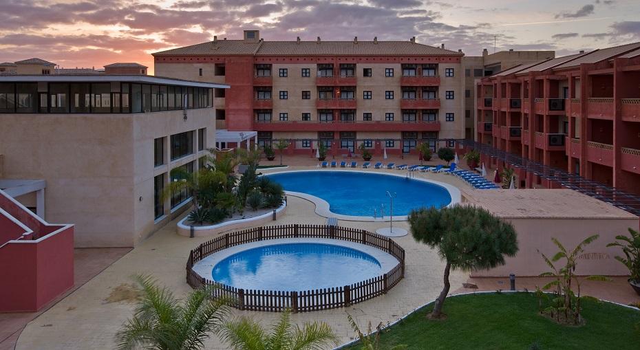 comprar piso obra nueva periferia piscina